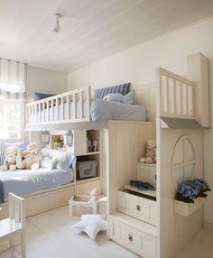 Dormitorio infantil con literas. Acceso con escaleras con cajones y espacio debajo para cama y jugar 00408123 O