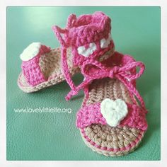 teeny tiny heart sandals 6-9 months free crochet baby sandal pattern by lovely little life