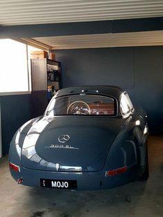 Mercedes Benz 300 Sl, Mercedes Benz Autos, Mercedes Classic Cars, Bmw Classic Cars, Retro Cars, Vintage Cars, Audi, Benz Amg, Mercedez Benz