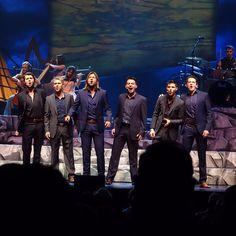 Love being onstage with these lads! Beautiful Voice, Beautiful Men, Beautiful People, Emmett O'hanlon, Irish Songs, Ryan Kelly, Celtic Thunder, Men In Kilts, Irish Men
