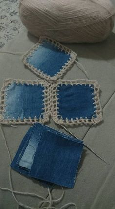 This Pin was discovered by Jo Denim and crochet Crochet Fabric, Crochet Quilt, Crochet Squares, Crochet Motif, Crochet Stitches, Free Crochet, Knit Crochet, Crochet Patterns, Bag Patterns
