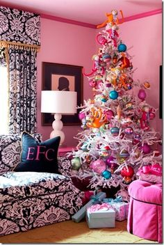 Chinoiserie Chic: A Girly Chinoiserie Christmas Tree