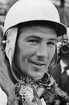 Sir Stirling Craufurd Moss OBE born 17 September 1929 is a British former Formula One racing driver An inductee into the International Motorsports Hall of