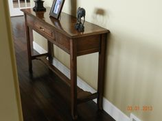 DIY hall table finished with stain and spray lacquer in place in hallway GREAT TUTORIAL