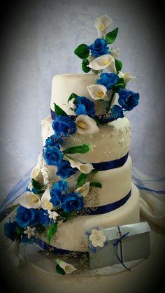 wedding cake blue roses. Torta de rosas azules