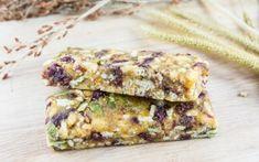Guida pratica con 3 ricette per preparare barrette ai cereali fatte in casa. Consigli utili e suggerimenti per realizzare barrette ai cereali buone e sane
