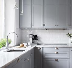 Perfection ✨ Tag someone who would want this kitchen in their home? Grey Kitchen Cabinets, Kitchen Reno, New Kitchen, Kitchen Remodel, Kitchen Dining, Luxury Kitchens, Home Kitchens, My Kitchen Rules, Neoclassical Interior