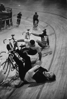 Henri Cartier-Bresson, Vélodrome d'hiver, Paris, France, 1957. © Henri Cartier-Bresson/Magnum Photos.