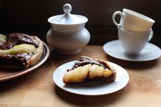 Tarte aux poires, aux noisettes et au chocolat