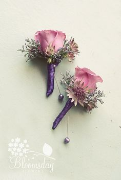 vintage style buttonholes by bloomsdayflowers, i love the frilly antique feel !