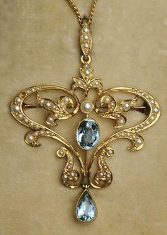 Edwardian 15 ct Gold mounted Aquamarine and Seed Pearl Pendant/Brooch and Earrings Edwardian Jewelry, Antique Jewelry, Beaded Jewelry, Vintage Jewelry, Unusual Jewelry, Stylish Jewelry, Fashion Jewelry, Bijoux Art Deco, Art Nouveau Jewelry