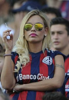 If you're a soccer fan there's only one team you should be paying attention to. That's right: San Lorenzo de Almagro. Hot Football Fans, Fifa Football, Football Girls, Football Players, Football Brazil, Soccer World, Play Soccer, World Of Sports, Soccer Skills