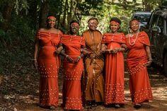 Contact us 0702376767 African Traditional Wedding Dress, Traditional Wedding Attire, Traditional Dresses, African Wear Designs, African Design, Ankara Fashion, African Fashion, Women's Fashion, Sister Wedding