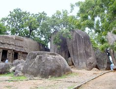 Monolithic temple and rocks, Mahaballipuram/Mamallapuram - Kancheepuram, Tamil Nadu, India;  photo by chris 9, via Flickr