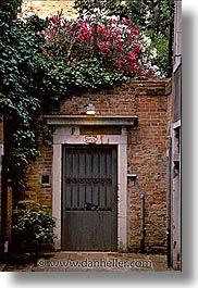 old door & windows of europe | doors, doors & windows, europe, italy, venecia, venezia, venice ...