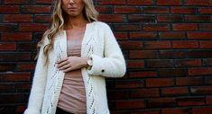 Ravelry: Mammas bladrillejakke // Moms garter leaves jacket pattern by Marianne J. Bjerkman