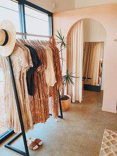 Clothing Boutique Interior, Clothing Store Design, Boutique Interior Design, Boutique Decor, Boho Boutique, Kids Boutique, Fashion Boutique, Retail Boutique, Boutique Stores