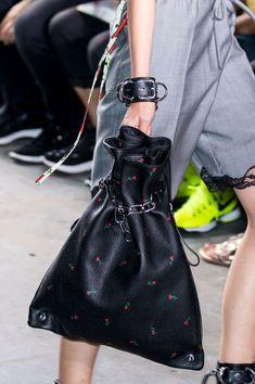 15 сумок с Недели моды в Нью-Йорке 1
