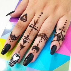 """""""Simplicity is the ultimate form of sophistication."""" - Clare Boothe Luce  #jagua #tattoo #nails #santodomingo #hennashantalla #rings"""