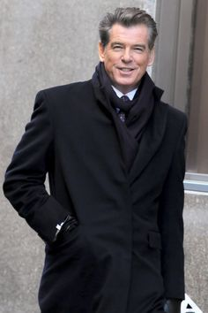 Pierce Brosnan: A man who started off with that Tom Cruise sexy look, and evolved all the way to that sexy grey haired man look. For his age, he is incredibly handsome. Also, probably the most entertaining Bond.