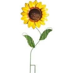Welcome feathered friends to your garden patch with this lovely sunflower bird feeder.   Product: Bird feederConstructio...