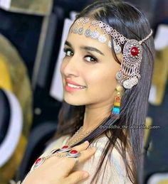 Prettiest Actresses, Beautiful Actresses, Indian Bollywood, Bollywood Stars, Shraddha Kapoor Cute, Katrina Kaif Photo, Sraddha Kapoor, Indian Star, Cute Celebrities