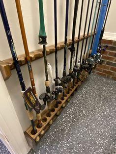 Diy Fishing Rod Holder, Fishing Rods, Pole Holders, Wood Construction, Walnut Wood, Barn Wood, Wine Rack, Wall Mount, Barnwood Ideas