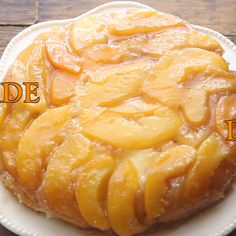 Peach Upside Down Cake is an easy summertime Homemade dessert recipe Made with fresh or canned peaches a little ice cream and it s perfect peachcake upsidedowncake peachupsidedowncake cake dessert Homemade Desserts, Köstliche Desserts, Best Dessert Recipes, Peach Cake Recipes, Fresh Peach Recipes, Health Desserts, Recipe For Peach Pie, Dessert Recipe Video, Fruit Deserts Recipes
