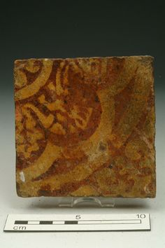 Floor tile, mid-late 14th century   Museum of London