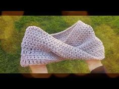 DIY Tutorial - How to Crochet Mobius Twist Shawl and Hooded Cowl - Moebius Wrap Learn To Crochet, Knit Crochet, Crochet Hats, Crochet Shawls And Wraps, Crochet Videos, Crochet Clothes, Crochet Projects, Cowl, Crochet Patterns