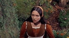 """""""Olivia Hussey as Juliet Capulet in Romeo and Juliet """" William Shakespeare, Shakespeare Love, Zeffirelli Romeo And Juliet, Juliet Capulet, Leonard Whiting, Olivia Hussey, Renaissance Clothing, Old Soul, Girl Gifs"""