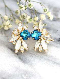 Blue Earrings Blue Swarovski Crystal Earrings Horizon by iloniti Bridal Necklace, Bridesmaid Earrings, Bridesmaids, Mint Earrings, Swarovski Crystal Earrings, Crystal Jewelry, Stylish Jewelry, Blue Crystals, Messing