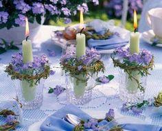 Velas en vaso con corona de flores... preciosa...