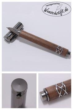 Dieser Rollerball wurde aus Walnuss handgefertigt. Der eingesetzte Knoten aus Aluminium verleiht dem Stift ein besonderes Augenmerk. Entdecken Sie diesen und viele andere handgemachte Schreibgeräte auf Wunschstift.de