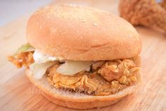 Chicken Zinger Burger is an lip smacking chicken burger that comes up with a crunchy breaded patty made of chicken breast, placed in nice and soft bun. Chicken Zinger, Lettuce Leaves, Red Chili Powder, Burger Buns, Cereal Recipes, Burger Recipes, Pulled Pork, Fried Chicken, Breakfast Recipes