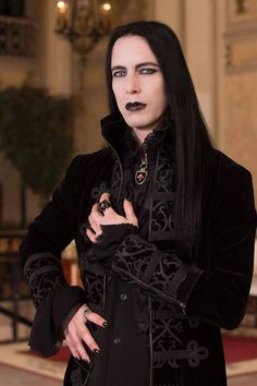 via Gothic Beauty Magazine