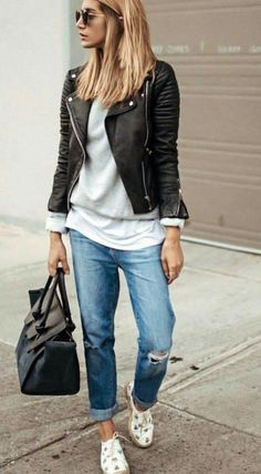 20 more boyfriend jeans outfit winter freund jeans outfit winter boyfriend jeans outfit winter # New York winter outfits; Leather Jacket Outfit Spring, Jeans Outfit Winter, Boyfriend Jeans Outfit Casual, Grey Sweater Outfit, Leather Outfits, Grey Outfit, Pants Outfit, Mode Outfits, Fashion Outfits