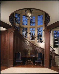 17 Great Traditional Staircases Design Ideas