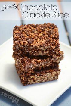 Gluten Free Chocolate Crackle Recipe - Chocolate Coconut Rice Krispy Treats ( will add protein powder) Chocolate Protein, Gluten Free Chocolate, Chocolate Recipes, Raw Food Recipes, Sweet Recipes, Dessert Recipes, Desserts, Healthy Treats, Healthy Baking