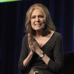 Toledo-born feminist writer and activist Gloria Steinem is spearheading a campaign with the anti-war women's group CODEPINK opposing an attack on Iran. Gloria Steinem, Feminist Writers, 50 And Fabulous, Women In History, Facon, Amazing Women, Amazing People, Beautiful People, Role Models