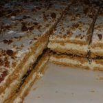 Cea mai gustoasa prajitura in foi. Romanian Desserts, Romanian Food, Romanian Recipes, Cookie Recipes, Dessert Recipes, Christmas Sweets, Food Cakes, Cake & Co, Diy Food