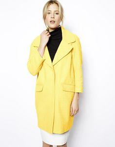 €139, Abrigo Amarillo de Asos. De Asos. Detalles: https://lookastic.com/women/shop_items/9523/redirect