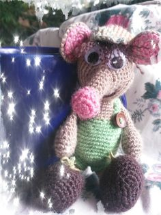 Amigurumi house mouse or more a shrew for that matter !!
