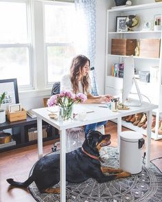 Style blogger and fashion designer, @natalie_dressed, gives us an inside look at her chic work space. Tour this cool girl's coveted office at the link in our profile! #officetour #designtips #modern #homeoffice #mymodernmakeover