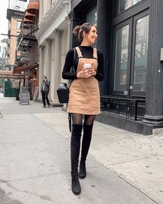 36 Perfect Winter Outfit Ideas With Skirts Keep Warm 15 Trendy Autumn Street Style Outfits For This Year - fall outfits Stylish Winter Outfits, Simple Fall Outfits, Winter Dress Outfits, Winter Fashion Casual, Trendy Outfits, Casual Winter, Summer Dresses, Casual Summer, Casual Dresses For Winter