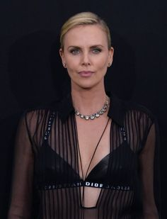 The virtual harem Stunning Women, Charlize Theron, Naturally Beautiful, Fashion Watches, American Actress, My Girl, South Africa, Thighs, African
