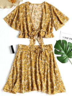 SHARE & Get it FREE | Floral Chiffon Crop Top And Skirt Set - Yellow MFor Fashion Lovers only:80,000+ Items • New Arrivals Daily Join Zaful: Get YOUR $50 NOW!
