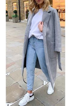 Stylish Mom Outfits, Chic Outfits, Winter Outfits, Jeans Outfit Winter, Mom Jeans Outfit, Outfits Mujer, Jean Outfits, Weather, Jean Mum
