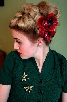 Wonderful hairdo!!    40's updo by miriamethel, via Flickr