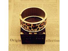 Oval Inlay Leopard Print Cuff Bracelet